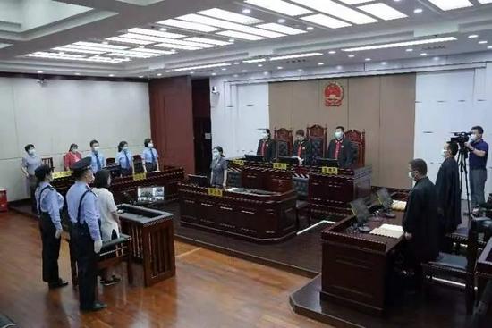 9月9日,劳荣枝案庭审现场。