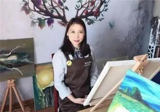 """劳荣枝在逃亡期间的""""艺术生活"""""""