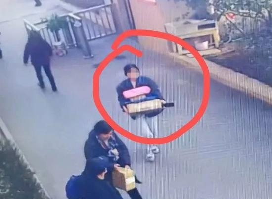 乐平一女子偷快递被抓 理由太奇葩:别人偷了我的快递