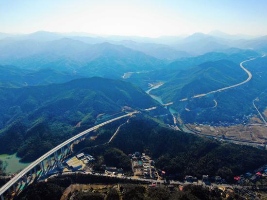 视觉交通:萍莲高速公路雏形初展