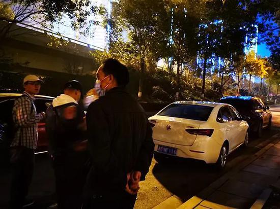 """跳车女生亲属和货拉拉协商一致 """"赔偿额不方便说"""""""