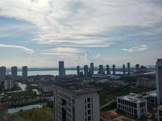 9月25日下午,九江市高温晴热 图/周浩