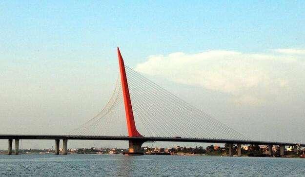南昌英雄大桥伸缩缝围挡施工8月底结束 注意绕行