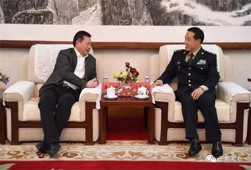 会前,火箭军副政委唐国庆中将亲切接见了蓝捷一行。