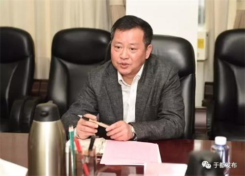会上,蓝捷代表县委、县政府对火箭军部队首长机关一直以来的关心支持和倾力相助表示衷心的感谢。