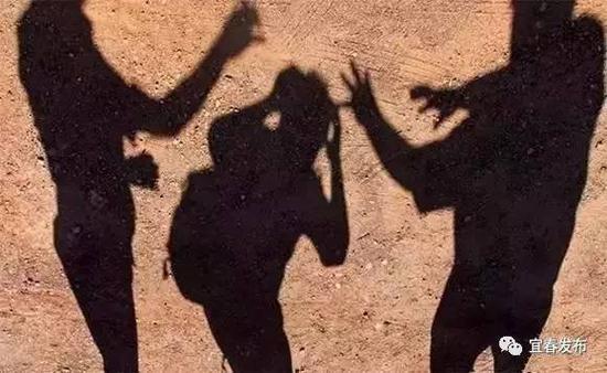 近日,宜春市教育局决定在全市中小学校开展校园欺凌和暴力专项整治工作,并印发《全市中小学校园欺凌和暴力专项整治工作方案》。