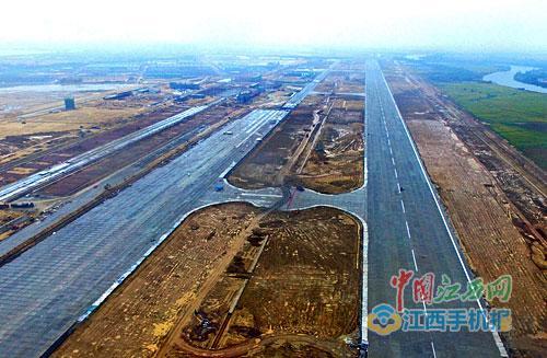 瑶湖机场跑道正在如火如荼施工