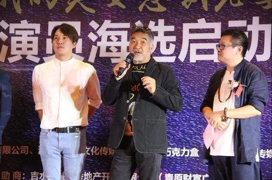 本片主演香港著名动作影星梁家仁老师(中)