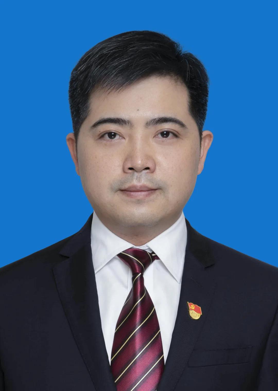 胡俊峰任南昌市东湖区代区长