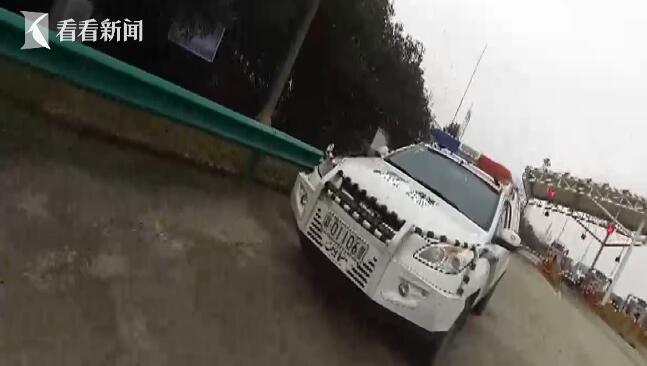 """""""女网逃""""开车上高速被南昌警方抓获"""