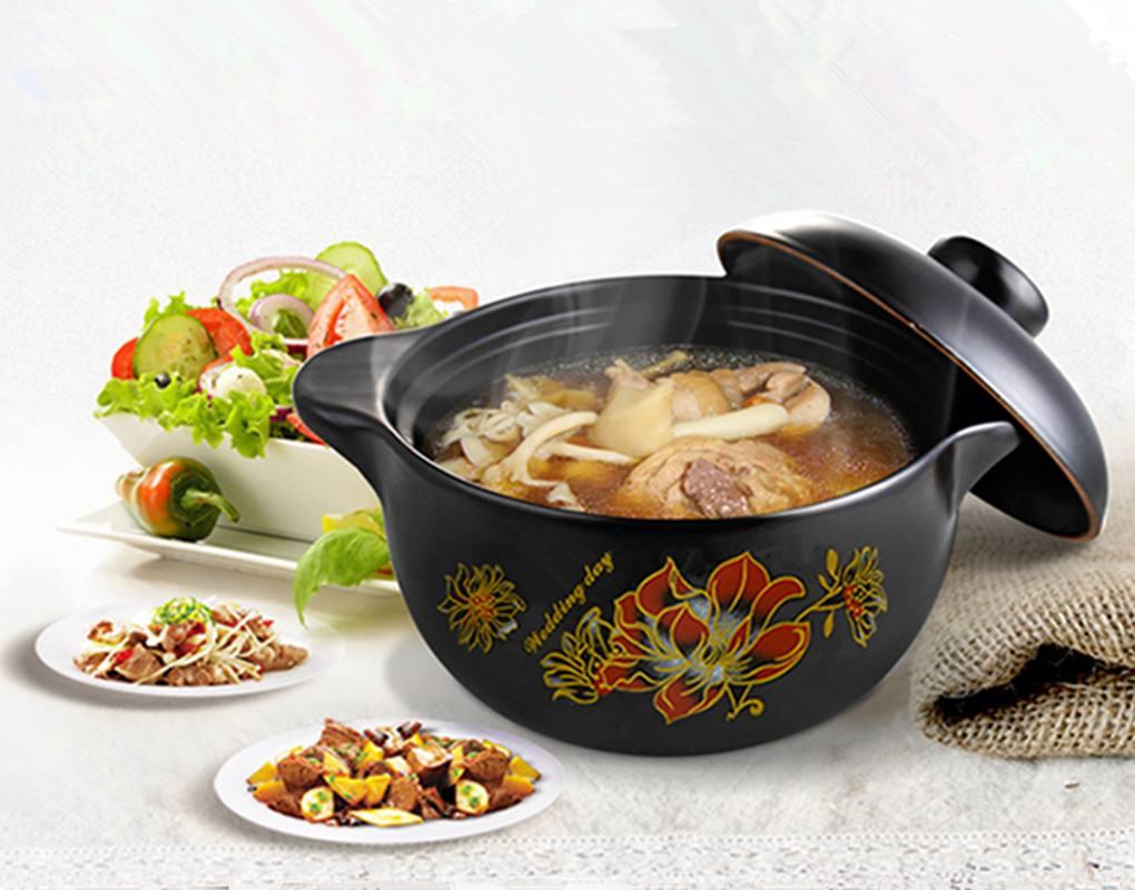 """老人适合用砂锅烧菜 饮食要做到十个""""宜"""""""
