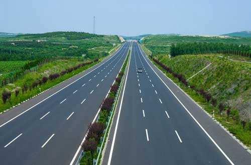 江西省高速公路建成里程突破6100公里