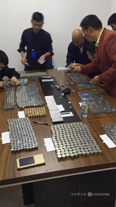 8位民警数钱4小时!南昌男子盗窃寺庙 用蛇皮袋装钱