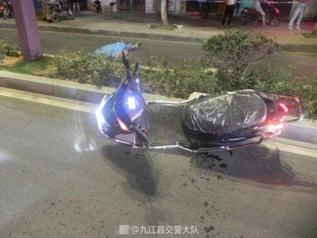九江柴桑区一男子酒后撞绿化带当场死亡