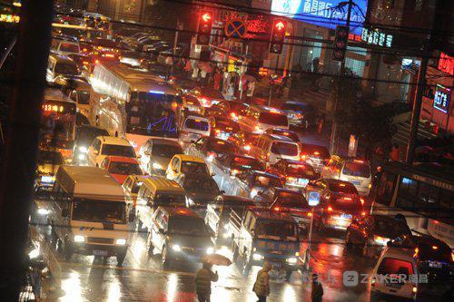 南昌拥堵排名全国第40位 每天18时为最拥堵时刻