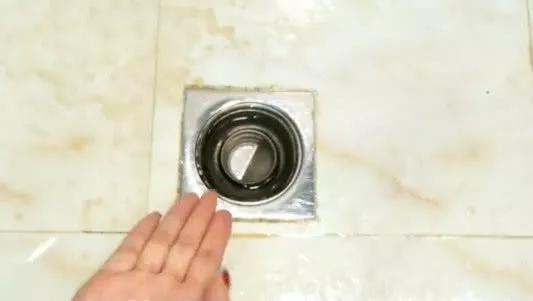 卫生间放一把食盐 一年能省下好几百…