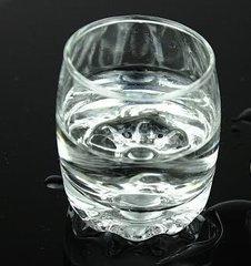 15岁少年赌气想喝白酒 误喝1斤甲醇险丧命