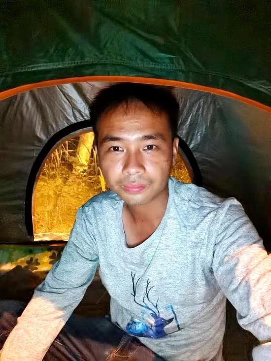 晚上住在帐篷里