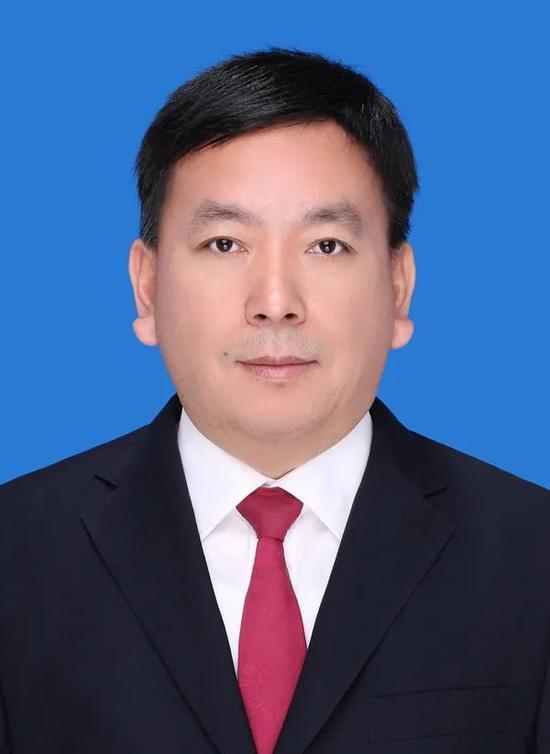 尧章龙任安远县副县长