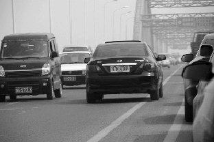 今年4月份南昌市38辆公务车交通违法被通报