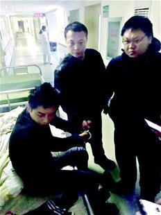 男子抢手机店2部苹果手机后 跑医院蹭病床睡觉被抓