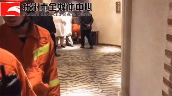 抚州一男子在酒店被蛇咬伤毒发身亡有一条银环蛇