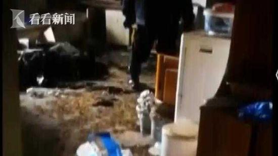 男子坠亡家中现5具尸体 事发前3小时还其乐融融