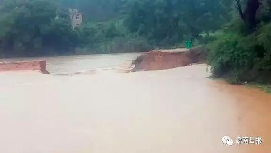 △上犹县社溪镇蓝田河堤被冲毁
