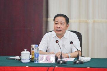 进贤县集中签约开工32个重点项目 殷美根出席