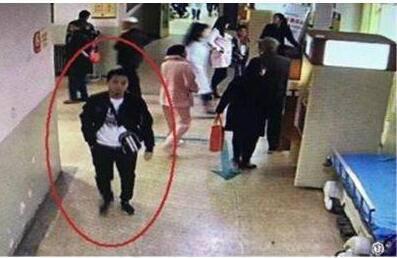男子暴击医生被抓 要求开药未被满足暴击医生逃逸