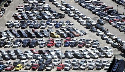 南昌西湖区3年拟建24个停车场 涉及八一广场等地