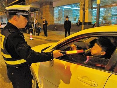 一次酒驾两次送检 江西民警勾兑血样徇私枉法终获刑