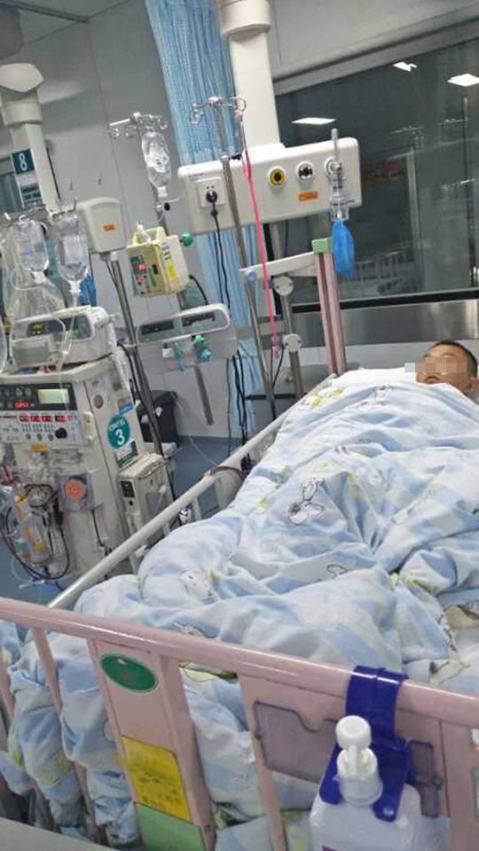 13岁男孩因百草枯中毒病危 警方:正调查中毒原因