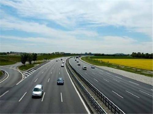 江西开展高速公路差异化收费试点 期限暂定1年