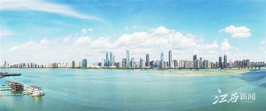 赣江沿线现代城市风光