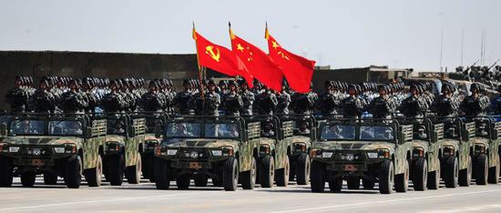 东风猛士参加纪念建军90周年朱日和阅兵