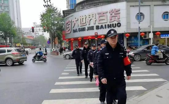 中国工商银行私人银行部原党委委员、 副总经理