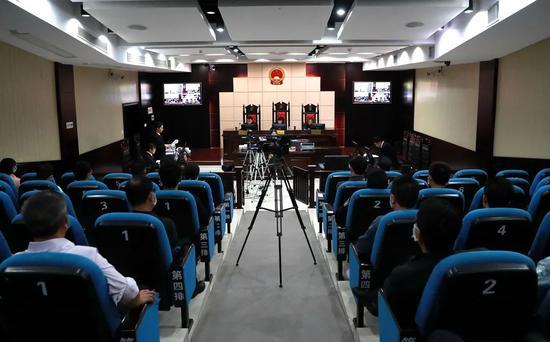 赣州一官员受审 曾任寻乌县县长、大余县委书记等职