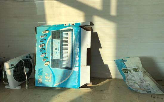 范小勤的电子琴已被闲置。新京报记者曾金秋摄