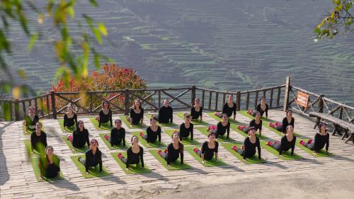 与梯田相融合的生态瑜伽