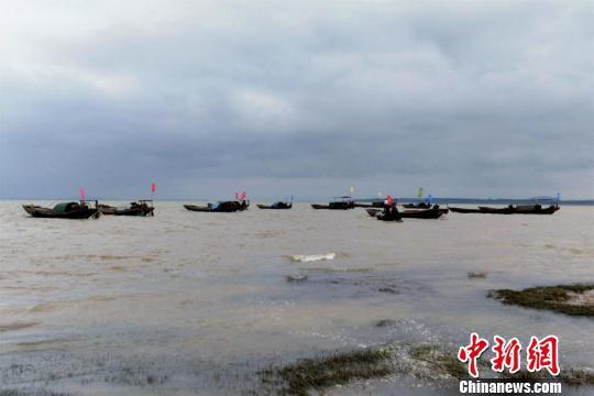 """江西鄱阳湖结束春季禁渔期""""开湖"""""""