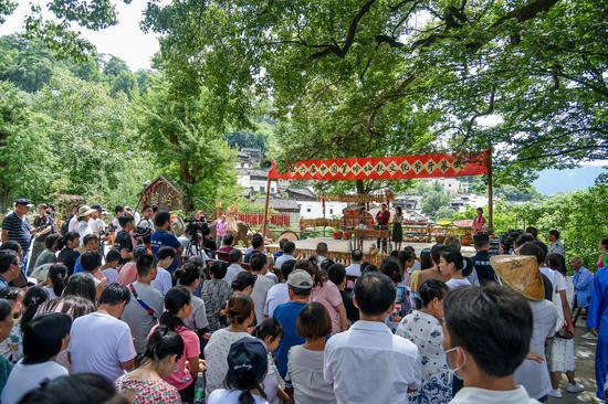 篁岭晒秋节走向国际舞台 外国记者为传统民俗点赞!