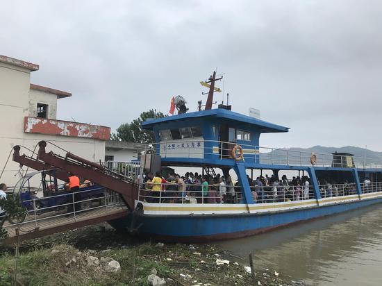 江西棉船分批转移群众避险 两天内将转移群众6000多名