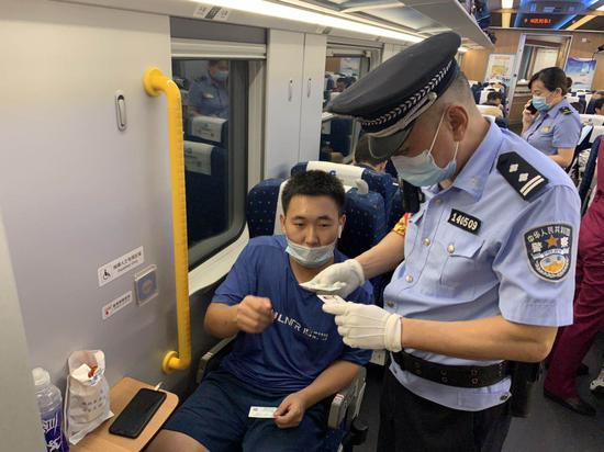 """南昌铁路乘警开展""""秋风战役"""" 本月以来查处案件4起"""