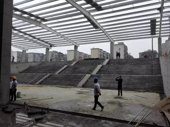 新闻频道 江西资讯 > 正文    东广场正式启用后,东站房的出站口同时图片