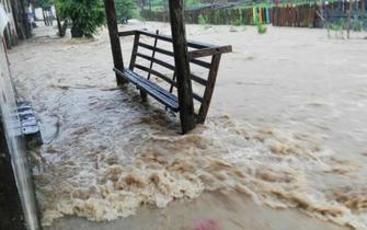 婺源百年古镇遭遇特大洪水