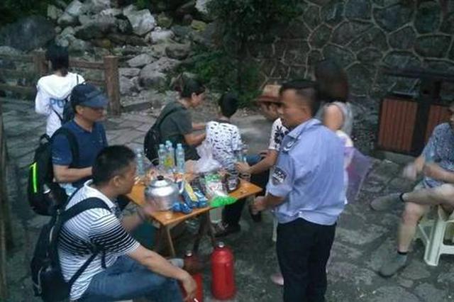 宜春明月山缆车遭雷击停运 200多名游客滞留(图)