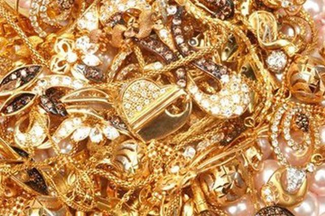 前7个月明升体育人花了684亿 金银珠宝消费同比多三成