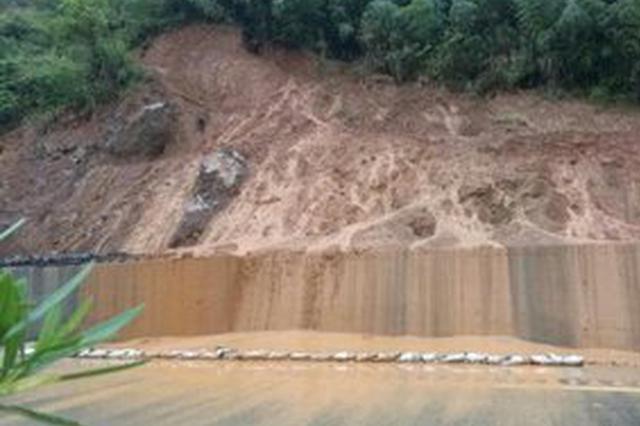 强降雨致江西多处公路损毁 2.42万人受灾
