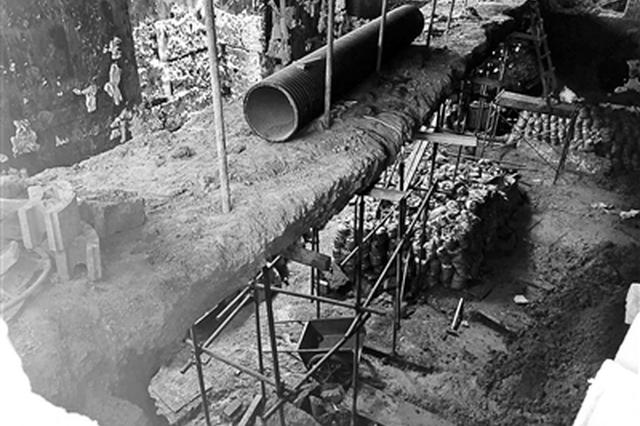 小区两业主私挖84平方米地下室 深度足有成年人高